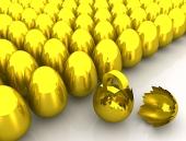 Златна лира символ вътре счупени яйца