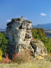 Stone кръст паметник край Besenova, Словакия