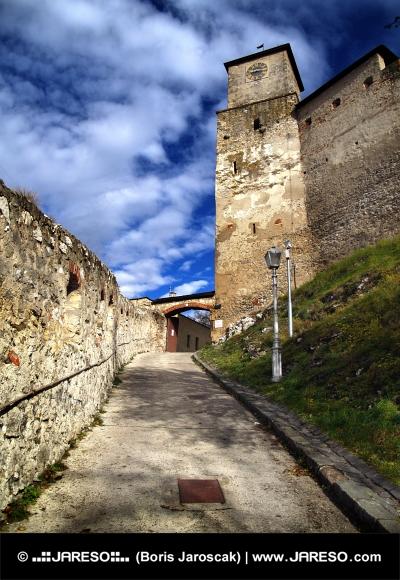 Indgang til Trencin Castle, Slovakiet
