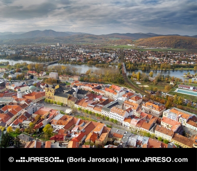 Luftfoto af Trencin by, Slovakiet