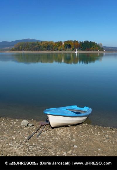 Båd og Slanica Island, Slovakiet