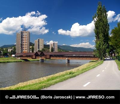 Vejen til Bysterec og søjlegangen bro