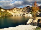 Efterår farvande Sutovo Lake, Slovakiet