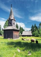 Wooden klokketårn i Pribylina, Slovakiet