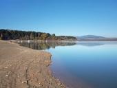 Kysten ved Orava reservoir ( Oravská Priehrada )