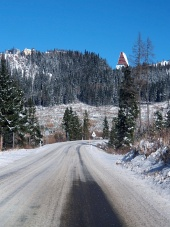 Winter vej til Høje Tatra fra Strba