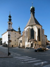 R?dhuset og kirken i Banska Stiavnica