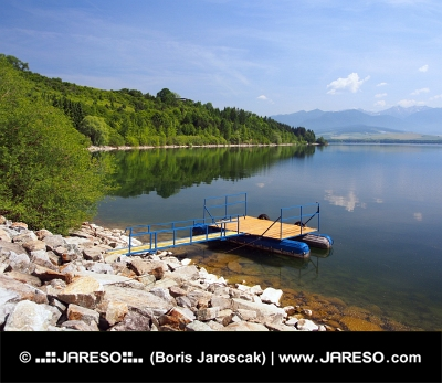 Die Anlegestelle für die Boote bei Liptovská Mara, der Slowakei
