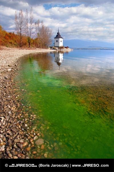 Herbst am See Liptovska Mara und der Slowakei