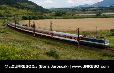 Schnellzug in Liptauer Region, Slowakei