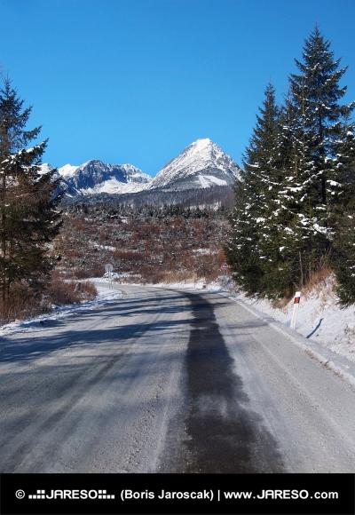 Road to High Tatras im Winter