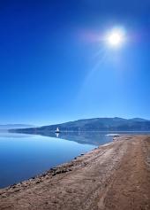 Shore at Orava Reservoir, der Slowakei