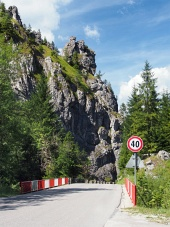 Straße mit Brücke zum Vratna Valley, Slowakei