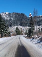Winter-Straße in die Hohe Tatra von Strba