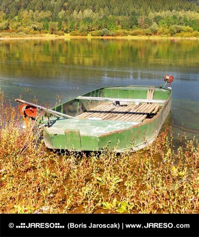 Σκάφος με Liptovska Μάρα λίμνη, Σλοβακία