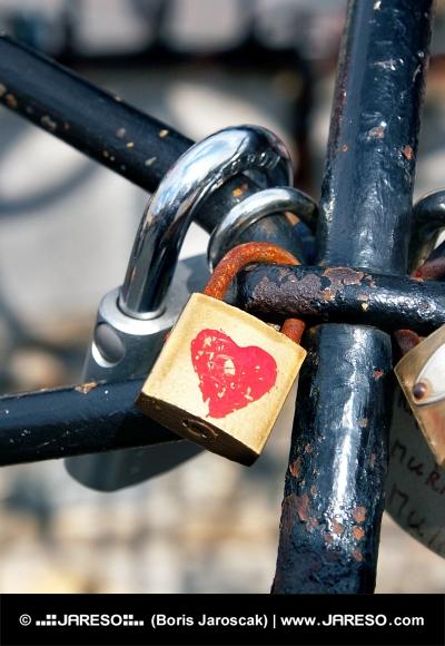 Cerrado cerraduras de amor