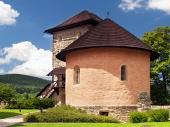 Bastión masiva y la fortificación del castillo de