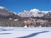 Superficie congelada de Strbske Pleso (Tarn)