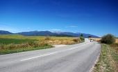 Road en Liptov y montañas de Rohace