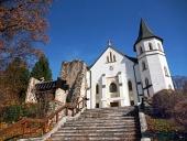 Iglesia católica romana en Mošovce, Eslovaquia