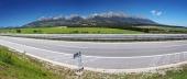 Panorama de la carretera y Altos Tatras