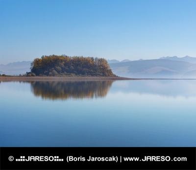Île Slanica tôt dans la matinée