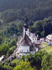 Spania Dolina et l'église de la Transfiguration