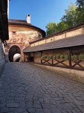 Porte ? la cour du château d'Orava, Slovaquie
