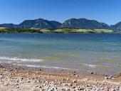 Shore avec Pravnac et Lomy collines