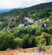 Spania vallée avec l'église, la Slovaquie