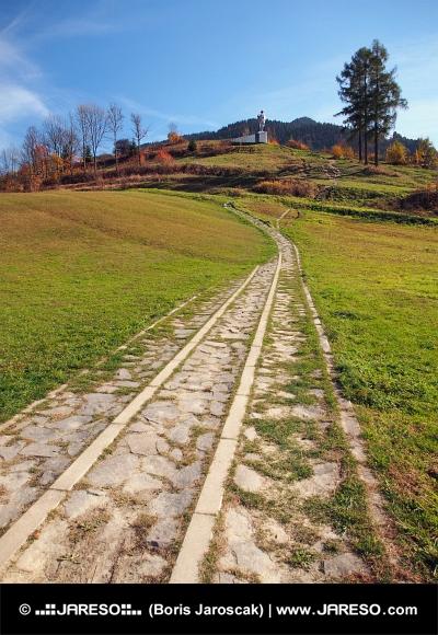 जुराज Janosik के स्मारक के लिए रास्ता