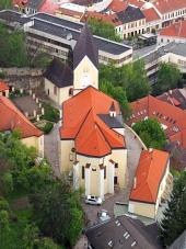 Trencin, स्लोवाकिया में रोमन कैथोलिक चर्च