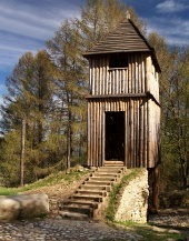 खुली हवा में संग्रहालय Havranok, स्लोवाकिया में लकड़ी के दुर्ग टावर