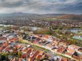 Trencin शहर, स्लोवाकिया के एरियल दृश्य