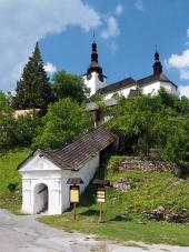 Bejárat a templom a színeváltozás