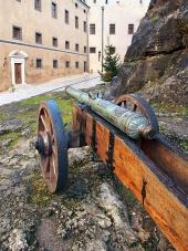 Történelmi ágyú Bajmóc vára, Szlovákia