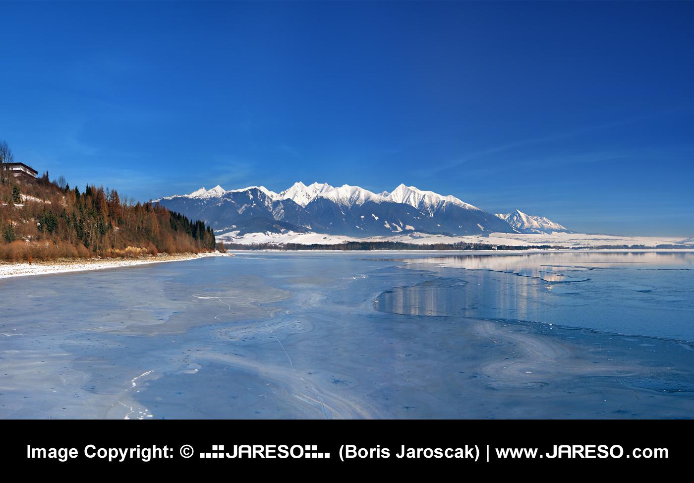 web_gplus_fb_panorama_liptovska_mara_mountains_winter_p2140169x_p2140173x.jpg