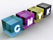 Concetto di cubi indicato nella combinazione di colori CMYK