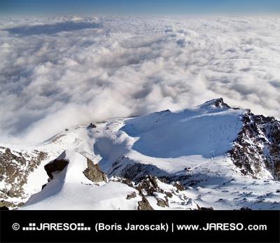 Vista dal picco di Lomnicky durante l'inverno