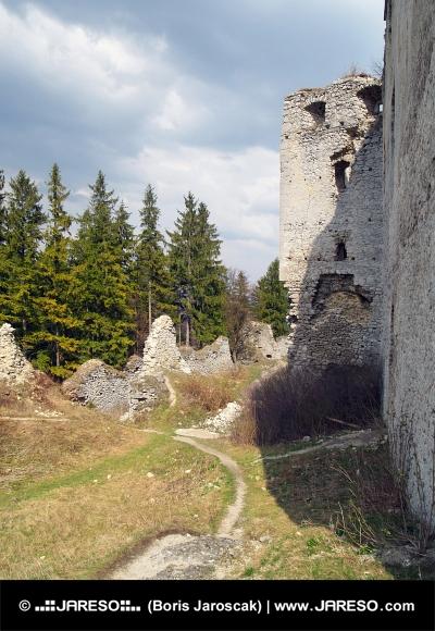 Le rovine del castello di Lietava, Slovacchia