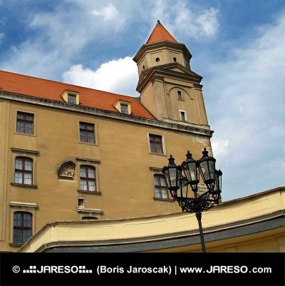 ブラチスラヴァ城、スロバキアの塔
