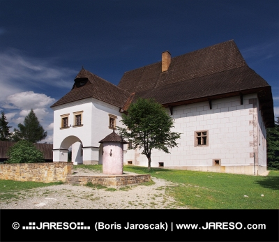 Zeldzame herenhuis in Pribylina, Slowakije