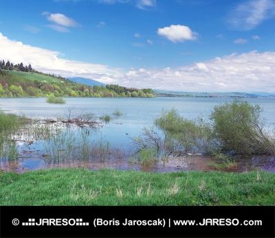 Zeer hoge waterstand op Liptovska Mara