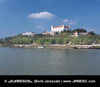 Bratislava kasteel boven Donau