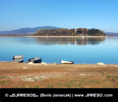 Boten en Slanica Island, Slowakije