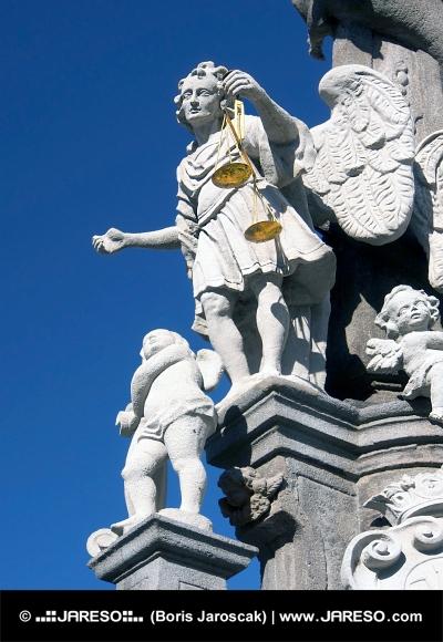 Saint Michael op zuil in Banska Stiavnica