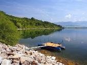 De pier voor boten bij Liptovska Mara, Slowakije