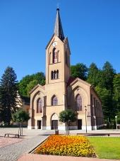 De Evangelische Kerk in Dolny Kubin in de zomer