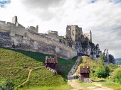 Massive fortificatie van het kasteel van Beckov, Slowakije