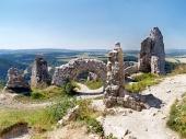 Verwoeste binnenmuren van het kasteel van Cachtice